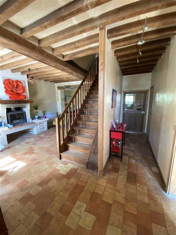 MAISON A VENDRE PROCHE BELLEME - Entrée avec escalier