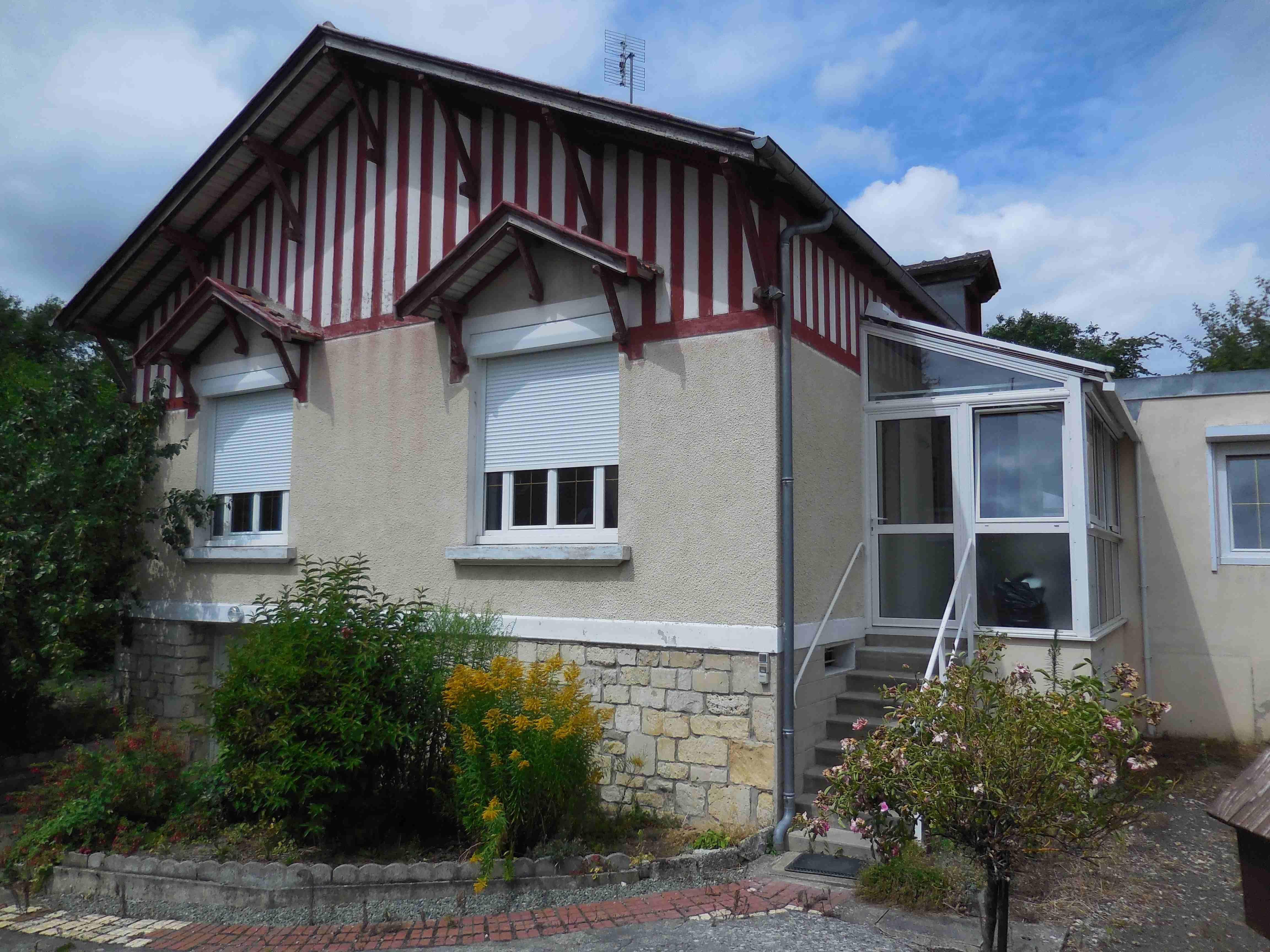 veranda entree maison free veranda entree maison with veranda entree maison free petite. Black Bedroom Furniture Sets. Home Design Ideas
